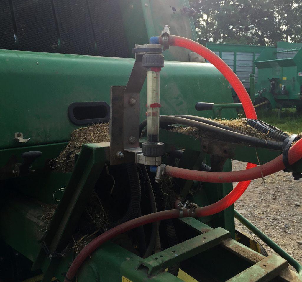 Durchflussmesser an Rundballenpresse